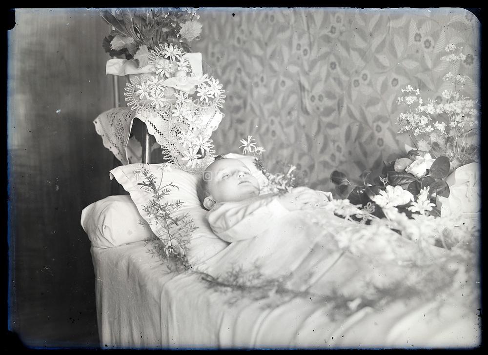 memento mori circa 1930s