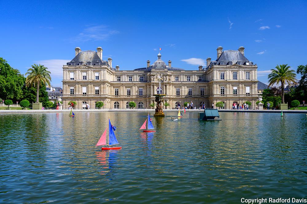 Jardin du Luxembourg, Paris, water, boats