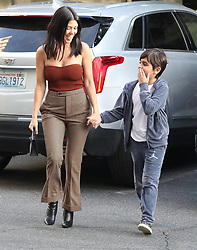 Kourtney Kardashian arrives to art class in Los Angeles, CA. ***SPECIAL INSTRUCTIONS*** Please pixelate children's faces before publication.***. 24 Jan 2018 Pictured: Kourtney Kardashian. Photo credit: MEGA TheMegaAgency.com +1 888 505 6342