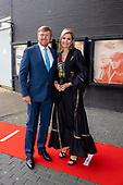 Koninklijk Paar bezoekt eerste voorstelling na heropening Het Nationale Theater