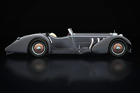 The Mercedes-Benz SSK-710 from 1930 dates from the beginning of what we call the modern car industry. With this Mercedes-Benz SSK-710 from 1930 Mercedes had a small but wealthy clientele who were the founders of the name and fame of Mercedes.<br /> <br /> This painting of a Mercedes-Benz SSK-710 from 1930 can be printed very large on different materials. -<br /> BUY THIS PRINT AT<br /> <br /> FINE ART AMERICA<br /> ENGLISH<br /> https://janke.pixels.com/featured/mercedes-benz-ssk-710-lateral-view-jan-keteleer.html<br /> <br /> WADM / OH MY PRINTS<br /> DUTCH / FRENCH / GERMAN<br /> https://www.werkaandemuur.nl/nl/shopwerk/Mercedes-Benz-SSK-710-Zijaanzicht/738516/132?mediumId=11&size=75x50<br /> <br /> -
