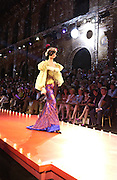 Christian Lacroix haute couture. L'Ecole National des Beaux-Arts. Rue Bonaparte. Paris. 10 July 2001. © Copyright Photograph by Dafydd Jones 66 Stockwell Park Rd. London SW9 0DA Tel 020 7733 0108 www.dafjones.com