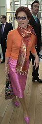 Actress ZOE WANAMAKER, at a party in London on 18th February 2000.OBG 7