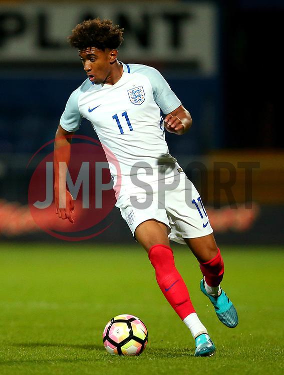 Reiss Nelson of England - Mandatory by-line: Robbie Stephenson/JMP - 05/09/2017 - FOOTBALL - One Call Stadium - Mansfield, United Kingdom - England U19 v Germany U19 - International Friendly