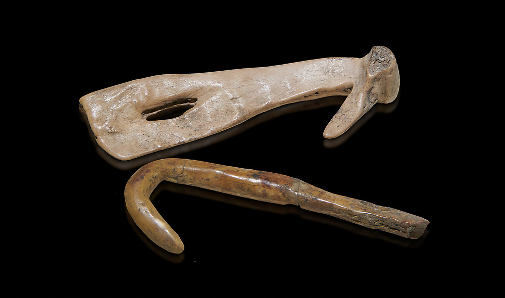 Neolithic bone fishing hooks. 6000 BC. Catalhoyuk Collections. Museum of Anatolian Civilisations, Ankara .<br /> <br /> If you prefer you can also buy from our ALAMY PHOTO LIBRARY  Collection visit : https://www.alamy.com/portfolio/paul-williams-funkystock/prehistoric-neolithic-art.html - Type Catalhoyuk into the LOWER SEARCH WITHIN GALLERY box. Refine search by adding background colour, place, museum etc.<br /> <br /> Visit our PREHISTORIC PLACES PHOTO COLLECTIONS for more  photos to download or buy as prints https://funkystock.photoshelter.com/gallery-collection/Prehistoric-Neolithic-Sites-Art-Artefacts-Pictures-Photos/C0000tfxw63zrUT4