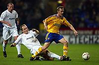 Photo. Aidan Ellis.<br />Bolton Wanderers v Southampton.<br />Carling Cup Quater Final.<br />16/12/2003.<br />Bolton's Per Frandsen and Southampton's Brett Ormerod