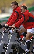 2005 Rugby, Investec Challenge, England vs Australia, Matt Stevens [left] and Lee Mears, keep warm during the game. RFU Twickenham, ENGLAND:     12.11.2005   © Peter Spurrier/Intersport Images - email images@intersport-images..