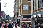 Nederland, Nijmegen, 5-5-2014In de binnenstad van Nijmegen komen steeds meer winkels leeg en te huur te staan. Winkeliers in de binnenstad, binnensteden, hebben naast de crisis ook veel last van verkoop van producten via internet.Foto: Flip Franssen/Hollandse Hoogte