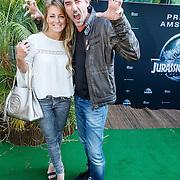 NLD/Amsterdam/20150610 -Premiere film Jurassic World 3D Imax, Jeroen Nieuwenhuize en partner Kayla Bredewold