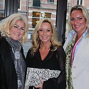 NLD/Amsterdam/20120420 - Show Joan Collins, Sylvana Borsato en vriendinnen
