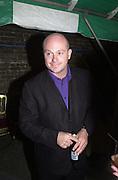 Ros Kemp. Yoo party. Hall Rd. London NW8. 28 September 2000. © Copyright Photograph by Dafydd Jones 66 Stockwell Park Rd. London SW9 0DA Tel 020 7733 0108 www.dafjones.com