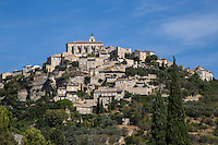 Thanks to its hilltop position, exceptional charm and its preserved architecture, Gordes has been listed as one of the Most Beautiful Villages of France or Plus Beaux Villages de France. <br /> Its labyrthinth of calades or narrow cobblestone streets is an adventure in itself.   Standing on the Monts of Vaucluse, Gordes has long been popular with artists who have made it their home. <br /> Marc Chagall, Victor Vasarely and Pol Mara. At the Abbey of Senanque Cistercian monks still produce liqueurs, honey and lavender essence.