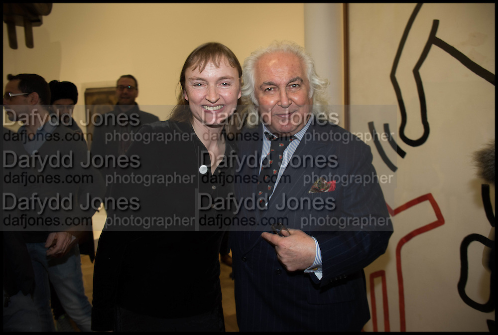 HARRIET VYNER; TONY SHAFRAZI Private view for A Strong Sweet Smell of Incense<br /> A Portrait of Robert Fraser, Curated by Brian Clarke. Pace Gallery. 6 Burlington Gardens. London. 5 February 2015.