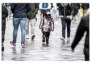 Danmark lukker ned. Turister beskytter sig selv med ansigtsmasker mod Coronavirus på Strøget i København fredag d. 13. marts 2020.