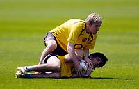 Photo: Richard Lane.<br />Arsenal Training Session. The Barclays Premiership. 11/05/2006.<br />Aleksander Hleb wrestles with Francesc Fabregas for the ball.