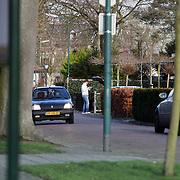 NLD/Nigtevecht/20080109 - Paparazzo Edwin Smulders ruimt zijn auto op