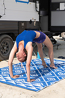 I'm always impressed with people who can things with their bodies like this! It was great to meet you. Email me if you happen to see this. DuncanRawlinson@gmail.com - https://Duncan.co/Burning-Man-2021