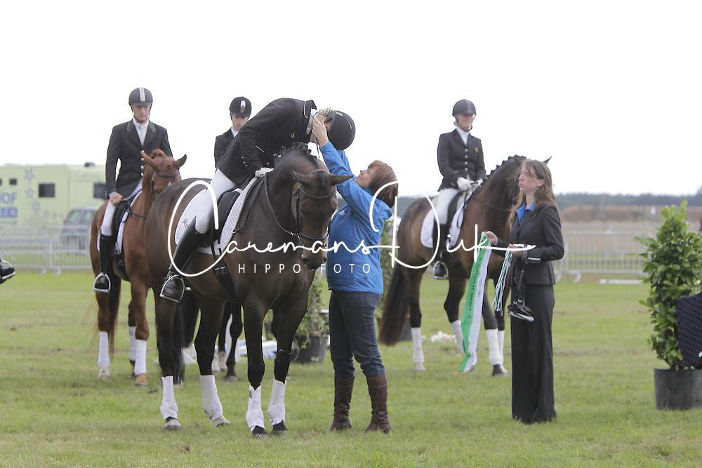 Van Looveren Annelies (BEL) - Gravin van't Gestelhof<br /> 6j dressuur open<br /> Nationale wedstrijd LRV jonge paarden - Lommel 2012<br /> © Dirk Caremans