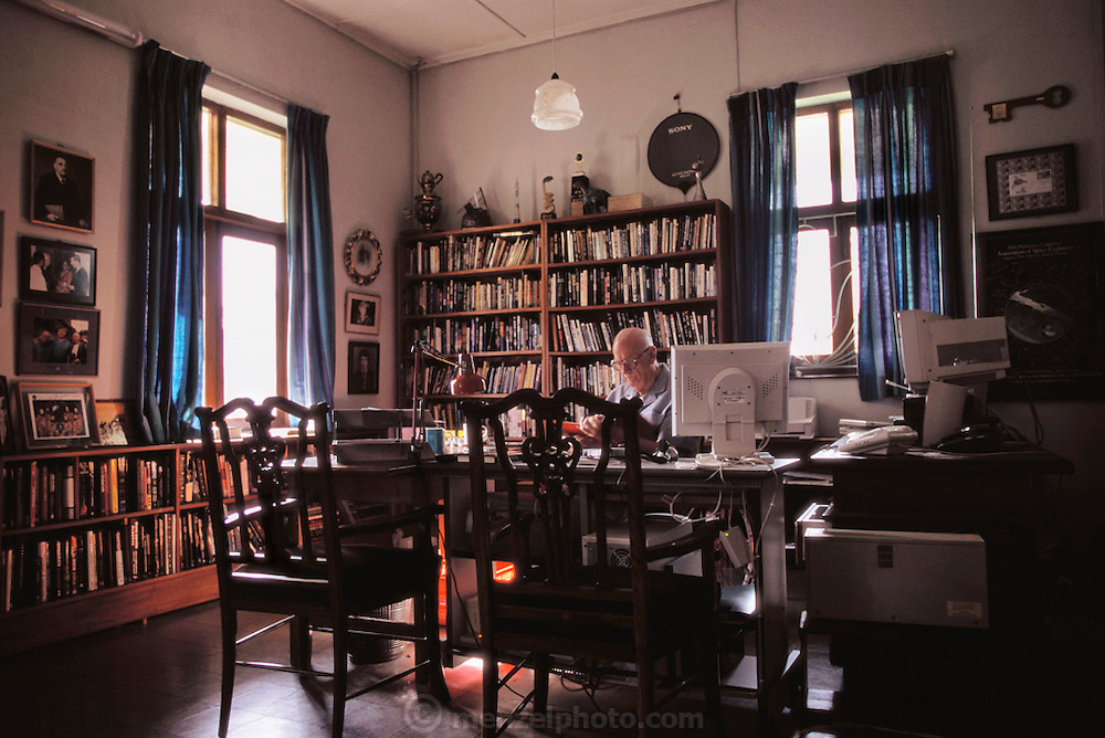 Colombo, Sri Lanka.Sir Arthur C. Clarke works at his desk in his home in Colombo, Sri Lanka. (He has post-polio syndrome) Best known for the book 2001: A Space Odyssey. MODEL RELEASED