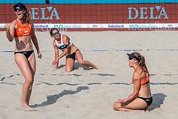 18-07-2018 NED: CEV DELA Beach Volleyball European Championship day 4<br /> Laura Bloem NED #2, Jolien Sinnema NED #1