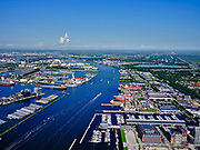 Nederland, Noord-Holland, Gemeente Amsterdam; 02-09-2020;  overzicht Amsterdam IJ,  met links Nieuwe Houthavens, Coenhaven. Rechts voormalige NDSM, Kraanspoor, Damen Shiprepair. Foto richting Coentunnel, Westpoort, Westelijk havengebied, met Noordzeekanaal. Door het zeer heldere weer zijn ook IJmuiden aan de verre horizon en de Noordzee te onderscheiden.<br /> Overview Amsterdam banks of river IJ, with links Nieuwe Houthavens, Coenhaven. Right former NDSM, Kraanspoor, Damen Shiprepair. Photo towards Coentunnel, Westpoort, Western harbor area, with North Sea Canal.Due to the very clear weather, IJmuiden on the distant horizon and the North Sea can also be distinguished.<br /> luchtfoto (toeslag op standard tarieven);<br /> aerial photo (additional fee required)<br /> copyright © 2020 foto/photo Siebe Swart