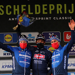 07-04-2021: Wielrennen: Scheldeprijs: Schoten <br /> Jasper Philipsen heeft de 109e Scheldeprijs gewonnen. In Schoten klopte de snelle man van Alpecin-Fenix, na een hectische wedstrijd, Sam Bennett en Mark Cavendish in de eindsprint.
