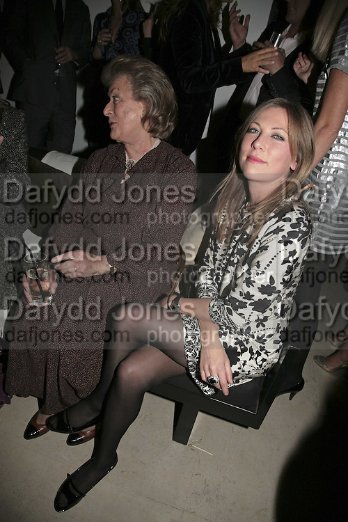 Lady Pamela Hicks and  Natalia Cassel, India Hicks And Crabtree & Evelyn launch new skincare range. : Hempel Hotel, 31-35 Craven Hill Gardens, London, W2, 22 November 2006. ONE TIME USE ONLY - DO NOT ARCHIVE  © Copyright Photograph by Dafydd Jones 66 Stockwell Park Rd. London SW9 0DA Tel 020 7733 0108 www.dafjones.com