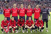 Fotball<br /> Foto: Dppi/Digitalsport<br /> NORWAY ONLY<br /> <br /> CHAMPIONS LEAGUE CUP 2005/2006 - 1ST ROUND - GROUP D - LILLE OSC v MANCHESTER UNITED FC - 02/11/2005 <br /> <br /> LILLE TEAM (BACK ROW LEFT TO RIGHT : MATT MOUSSILOU / MATHIEU BODMER / MILENKO ACIMOVIC / RAFAEL SCHMITZ / EFSTATHIOS TAVLARIDIS / TONY SYLVA. FRONT ROW : GREGORY TAFFOREAU / MATHIEU DEBUCHY / JEAN MAKOUN / MATTHIEU CHALME / GEOFFREY DERNIS)