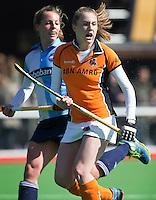 AMSTELVEEN - HOCKEY - Frederique Derkx tijdens de hoofdklasse hockeywedstrijd tussen de vrouwen van Hurley en Oranje-Zwart.  COPYRIGHT KOEN SUYK