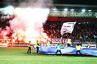 Fotball , oktober 2012 , Tippeligaen , Eliteserien , Strømsgodset - Rosenborg 2-1<br /> illustrasjon . Marienlyst stadion , bengalske lys , publikum , tribune , fan , fans , foran kampstart