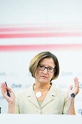 21.09.2015, Bundesparteizentrale, Wien, AUT, ÖVP, Pressekonferenz zum Aktionsplan Asyl. im Bild Bundesministerin für Inneres Johanna Mikl-Leitner (ÖVP) // Minister of the Interior Johanna Mikl-Leitner (OeVP) during press conferenc of the austrian people's party according to Refugee crisis in Europe at federal party centre in Vienna, Austria on 2015/09/21. EXPA Pictures © 2015, PhotoCredit: EXPA/ Michael Gruber