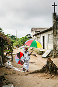 Reportage a Odoguié, village rural de Cote d'Ivoire, entre tradition et modernisme // Report on Odoguie, rural village of Ivory Coast, in between tradition and modernity