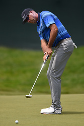 June 24, 2018 - Cromwell, CT, USA - Stewart Cink putts on the 9th green during the final round of the Travelers Championship at TPC River Highlands in Cromwell, Conn., on Sunday, June 24, 2018. (Credit Image: © Brad Horrigan/TNS via ZUMA Wire)