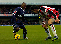 Photo: Alan Crowhurst.<br />Southend United v Southampton. Coca Cola Championship. 09/12/2006. Southend's Jamal Campbell-Ryce (L) takes on Gareth Bale.