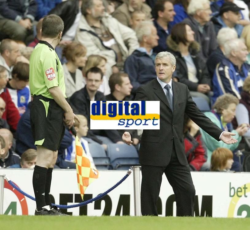 Photo: Aidan Ellis.<br /> Blackburn Rovers v Arsenal. The FA Barclays Premiership. 19/08/2007.<br /> Rovers manager Mark Hughes questions the linesman's Decision