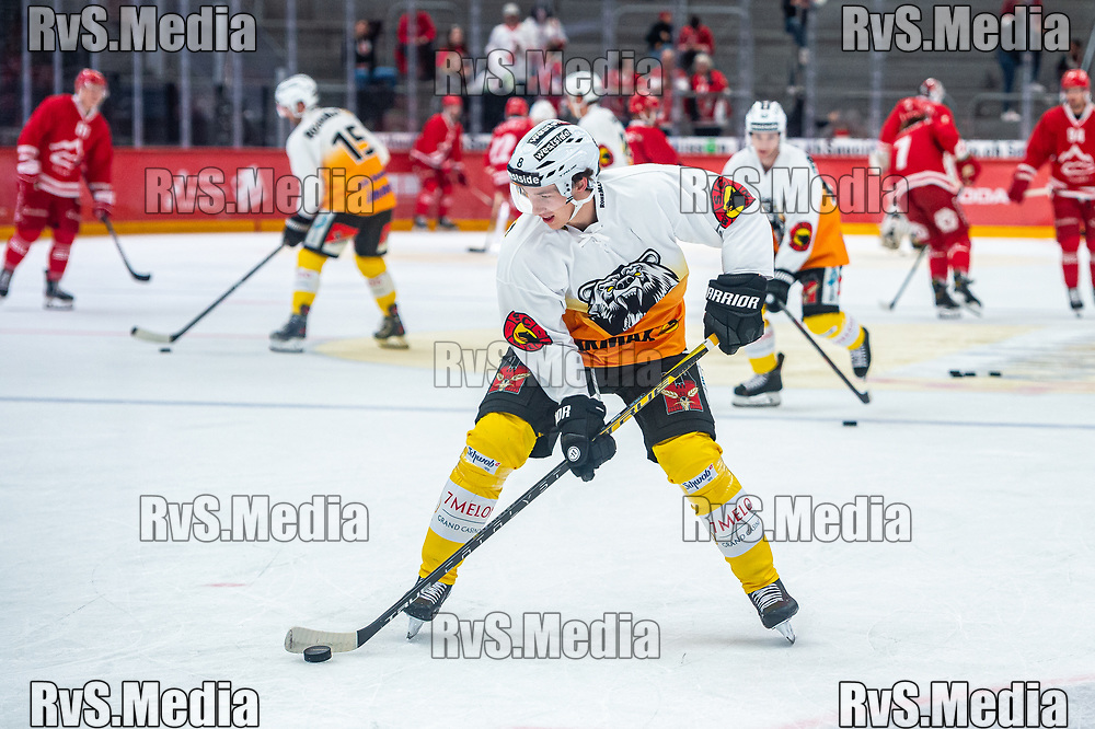LAUSANNE, SWITZERLAND - SEPTEMBER 28: Joshua Fahrni #8 of SC Bern warms up prior the Swiss National League game between Lausanne HC and SC Bern at Vaudoise Arena on September 28, 2021 in Lausanne, Switzerland. (Photo by Monika Majer/RvS.Media)