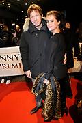 Premiere van de film Sonny Boy op maandag 17 januari in het Circus Theater in Scheveningen.<br /> <br /> Op de foto:<br /> <br />  Robert de Hoog en partner