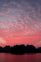 Gorgeous pink sunset on Halong Bay, Vietnam.