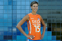 02-06-2010 VOLLEYBAL: NEDERLANDS VROUWEN VOLLEYBAL TEAM: ALMERE<br /> Reportage Nederlands volleybalteam vrouwen / Ingrid Visser<br /> ©2010-WWW.FOTOHOOGENDOORN.NL