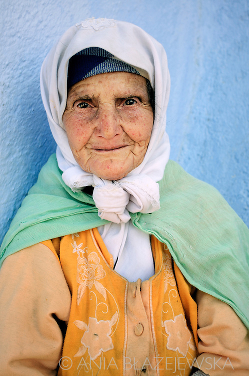 Morocco, Chefchaouen. Portrait of an elderly woman from Rif Mountains.