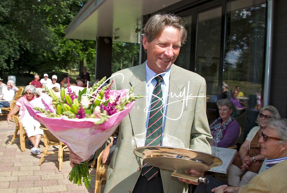 ARNHEM - Op de golfbaan de Rosendaelsche in Arnhem hebben Bart Nolte (foto) en Tita McCart het Internationaal Senioren Strokeplay Kampioenschap gewonnen. FOTO KOEN SUYK