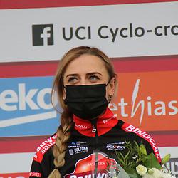03-01-2021: Wielrennen: Vestingcross: Hulst: Denise Betsema: