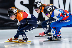 12-01-2019 NED: ISU European Short Track Championships 2019 day 2, Dordrecht<br /> Yara van Kerkhof #12 NED, Ekaterina Efremenkova #18 RUS, Lara van Ruijven #16 NED