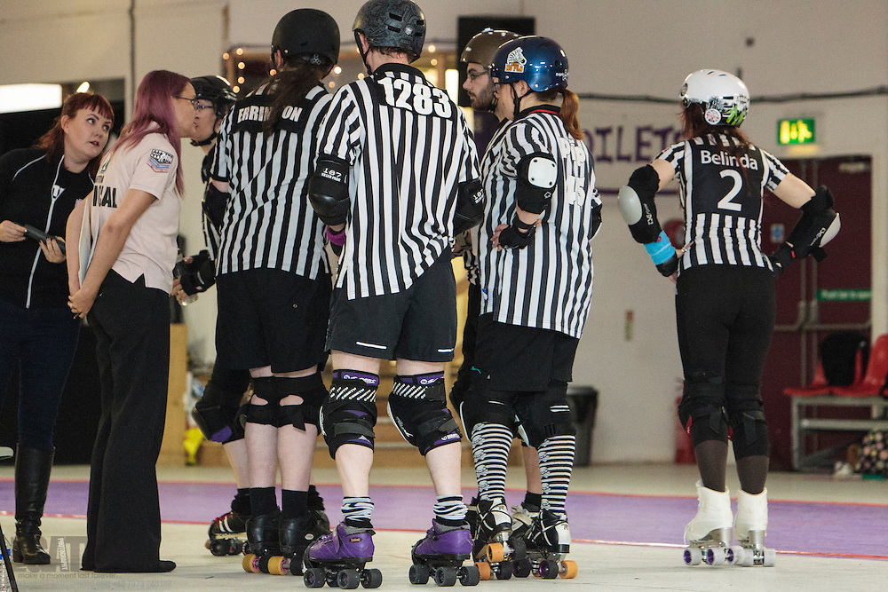 Rainy City Roller Derby Bet Lynch Mob take on Wirral Roller Derby's Tiger Lillies at The Thunderdome, King Street, Oldham, 2016-11-05
