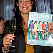 NLD/Ridderkerk/20120911 - Presentatie magazine Helden, Edit Bosch met het magazine