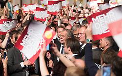 04.12.2016, Sofiensäle, Wien, AUT, Wahlfeier Team Van der Bellen nach Wiederholung der Stichwahl der Präsidentschaftswahl, im Bild Präsidentschaftskandidat Alexander Van der Bellen // Candidate for Presidential Elections Alexander Van der Bellen during election party of Team Van der Bellen due to the austrian presidential elections in Vienna, Austria on 2016/12/04, EXPA Pictures © 2016, PhotoCredit: EXPA/ Michael Gruber