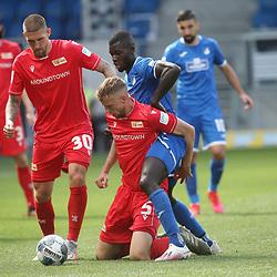Robert Andrich, Marvin Friedrich (1.FC Union Berlin) und Ihlas Bebou (TSG 1899 Hoffenheim)<br /> <br /> Sport: Fussball: Bundesliga: Saison 19/20: TSG 1899 Hoffenheim-1.FC Union Berlin, 20.06.2020.<br /> <br /> Foto: RALF POLLER/AVANTI/POOL/PIX-Sportfotos<br /> <br /> Nur für journalistische Zwecke! Only for editorial use! <br /> Gemäß den Vorgaben der DFL Deutsche Fußball Liga ist es untersagt, in dem Stadion und/oder vom Spiel angefertigte Fotoaufnahmen in Form von Sequenzbildern und/oder videoähnlichen Fotostrecken zu verwerten bzw. verwerten zu lassen. DFL regulations prohibit any use of photographs as image sequences and/or quasi-video.