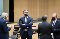 """DEU, Deutschland, Germany, Berlin, 22.04.2021: Sondersitzung des Bundesrats. V.l.n.r. Hessens Ministerpräsident Volker Bouffier (CDU), Bundesgesundheitsminister Jens Spahn (CDU), Armin Laschet, Ministerpräsident von Nordrhein-Westfalen, Sachsen-Anhalts Ministerpräsident Dr. Reiner Haseloff (CDU). Nach dem Beschluss des Bundestags hat auch der Bundesrat die Änderung des Infektionsschutzgesetzes (bundesweite Corona-""""Notbremse"""") passieren lassen."""
