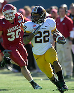 January 1, 2008 - Dallas, TX...Running back Tony Temple #22 of the Missouri Tigers rushes past linebacker Weston Dacus #30 of the Arkansas Razorbacks in the second quarter, during the 72nd AT&T Cotton Bowl Classic at the Cotton Bowl in Dallas, Texas on January 1, 2008...The Tigers defeated the Razorbacks 38-7.  .Peter G. Aiken/CSM.