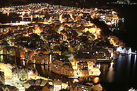 Ålesund 20041123. Nattbilde av jugendbyen Ålesund tatt på Fjellstua. Byen er internasjonalt kjent for sin jugendstil.<br /> <br /> Photo of Aalesund by night. Aalesund is famous for it's beautiful Art Nouveau architecture. <br /> <br /> Foto: Svein Ove Ekornesvåg